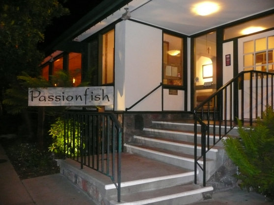 passion fish outside w flash